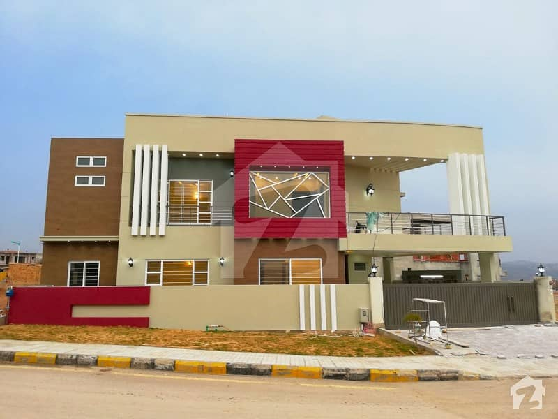 Solid And Stylish 10 Marla House In Bahria Town