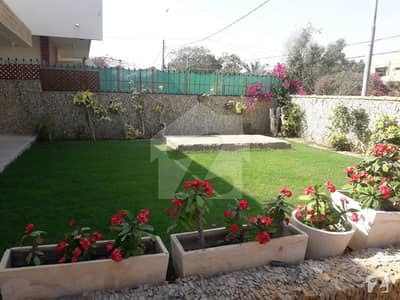 Well maintained 4 bedrooms 500 square yards bungalow near ZAMZAMA park is available on rent at DHA phase 5