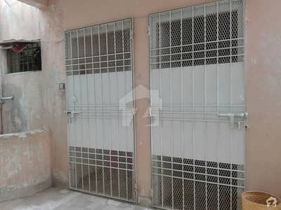 Faiza Avenue 4th Floor Flat With Roof Available For Sale