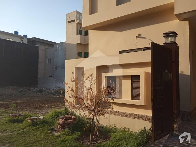 10 Marla Upper Portion For Rent In D Block Of Canal Garden Lahore Near Bahria Town