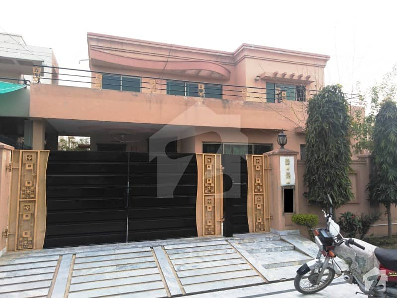 1 Kanal Slightly Used Beautiful Royal Design Spanish Modern Luxury Upper Portion for Rent In DHA Phase IV
