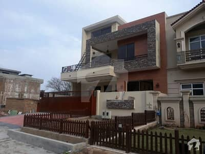 out class brand new Inshallah your first entry investor price triple story house for sale