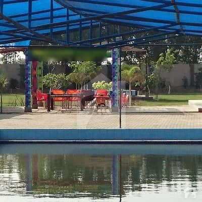 سُپر ہائی وے کراچی میں 4 کمروں کا 8 کنال فارم ہاؤس 35 ہزار میں کرایہ پر دستیاب ہے۔