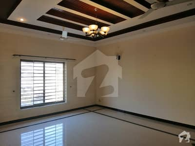 E 11 Such A Amazing Location What A Outstanding Upper Portion With 3 Beds DD TvL ki