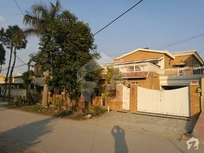 One kanal house for urgent sale