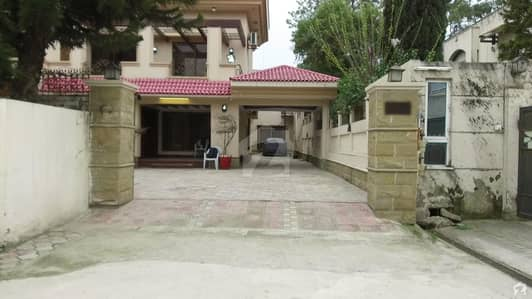 36 Marla 6 Bed Lavish House Available For Sale