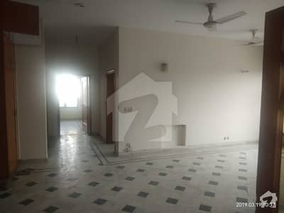30 MARLA UPPER PORTION IS AVAILABLE FOR RENT IN PCSIR SOCIETY