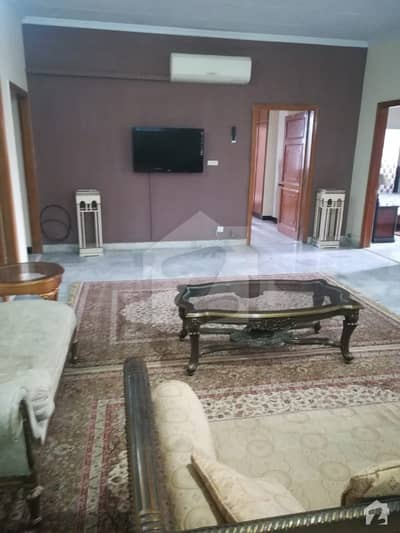 PROPERTY CONNECT OFFER 2600 Square feet 3 Bedrooms Furnished Apartment Available for rent in Diplomatic Enclave Islamabad