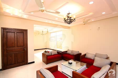 Elegant 24 Marla Solid House For Sale
