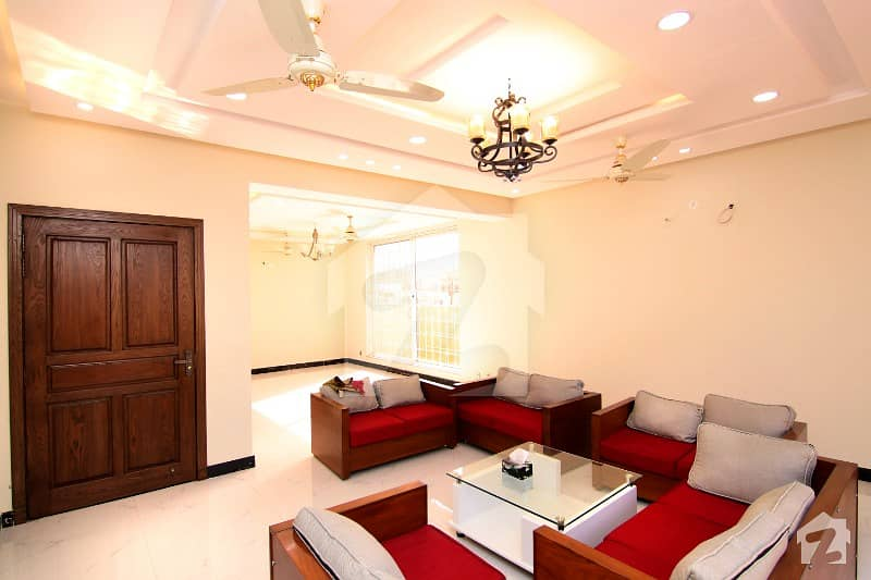 Elegant 24 Marla Solid House For Sale