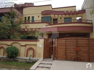 Leads Offers 10 Marla Double Storey House On Good Location