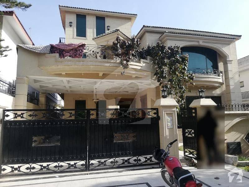 F-11/3  500 Sq Yd Double Story House 6 Bedrooms 2 Kitchens Price 8 Crore