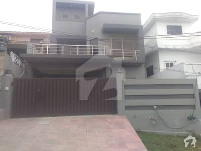 10 M 2 UNITS NEWLY CONSTRUCTED 272 FEET MARLA