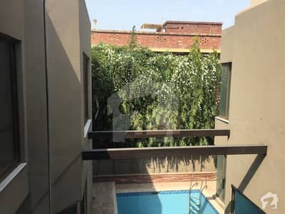 General Villa With Swimming Pool And Full Basement