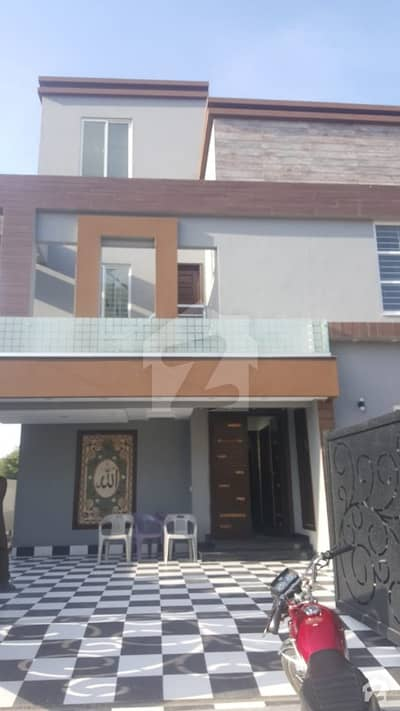 BRAND NEW BEAUTIFUL DOUBLE UNIT HOUSE IS AVAILABLE FOR SALE IN BAHRIA TOWN LAHORE