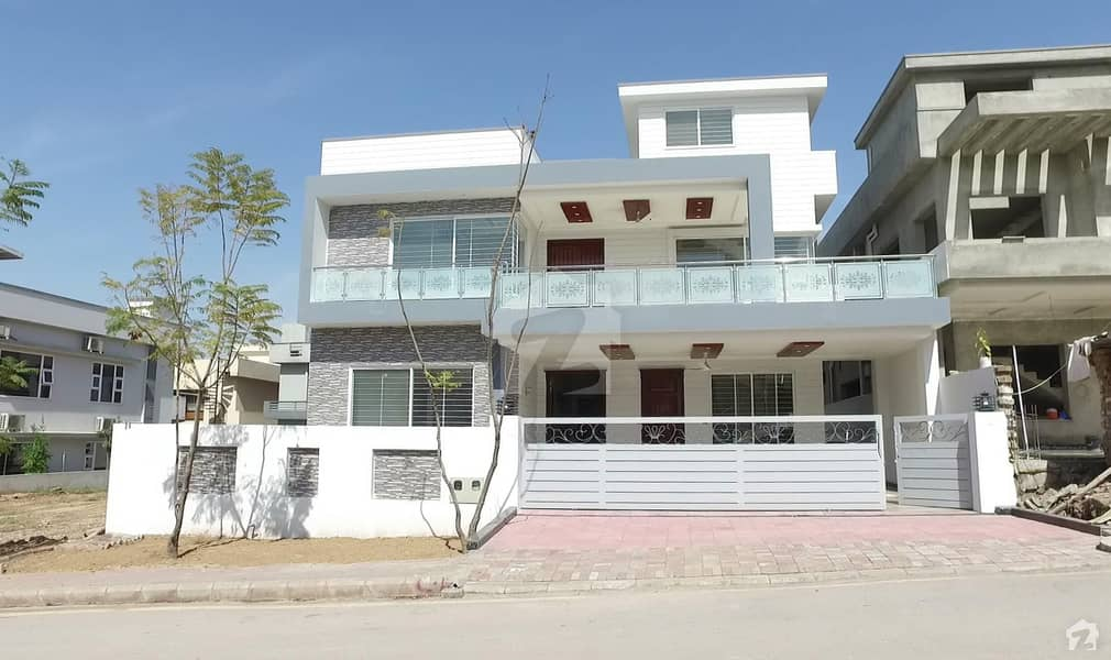 Bahria Enclave Sec C 1 Kanal Beautiful House Available For Sale In Beautiful Main Heart Location Of Bahria Enclave Islamabad
