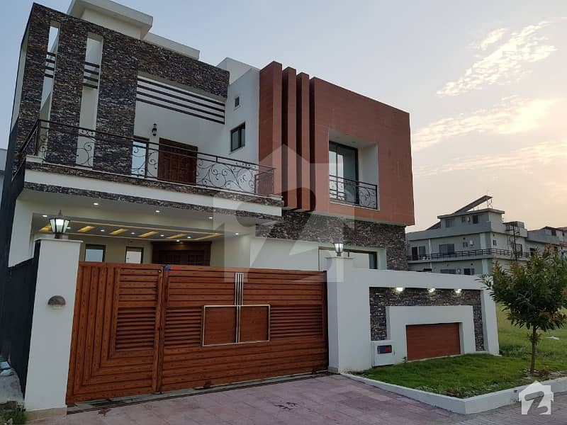 10 Marla Excellent House On Investor Rate For Asle