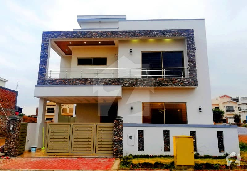 Solid 10 Marla Brand New House For Sale