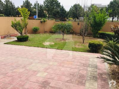 10 Marla Lavish Well Located Triple Storey House For Sale