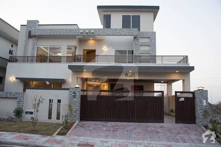 1 Kanal Brand New House Near To Mcdonald