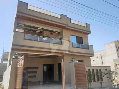 10 Marla 50 feet road Double Unit Double Kitchen and TVL Solid Construction Luxury House Very Hot Location