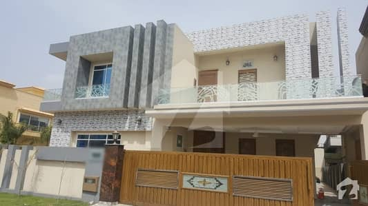 01 Kanal Double Unit Semi Furnished Corner House For Sale In Bahria Town