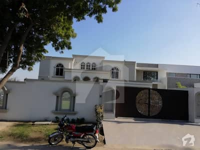 33 Marla Brand New Luxury House For Sale  100 Ft Wide Road, Mind- Blowing Outclass Work
