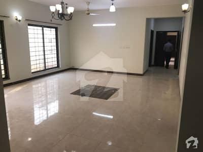 عسکری 10 - سیکٹر ایف عسکری 10 عسکری لاہور میں 3 کمروں کا 10 مرلہ فلیٹ 1.7 کروڑ میں برائے فروخت۔