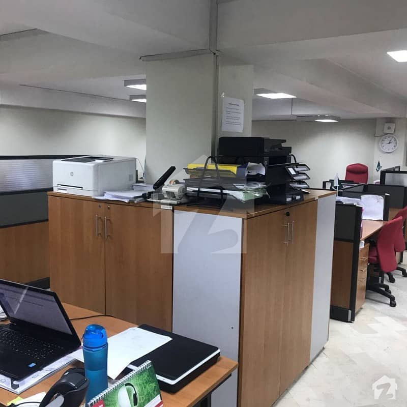 3000 Sqft Semi Furnished Office Space On Main Location At Clifton