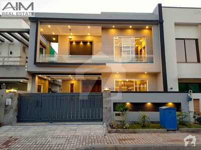 10 Marla Luxurious House For Sale In Bahria Town