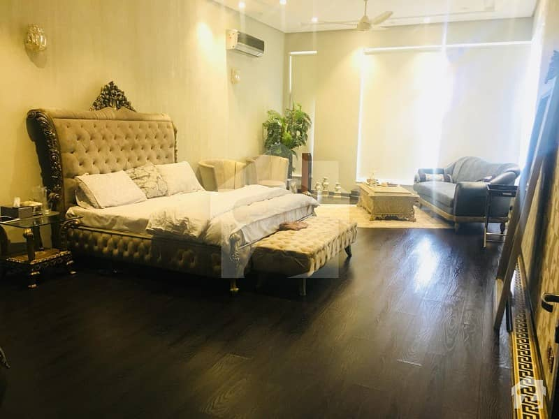 8 Kanal Fully Luxurious Furnished Farmhouse Bedian Road