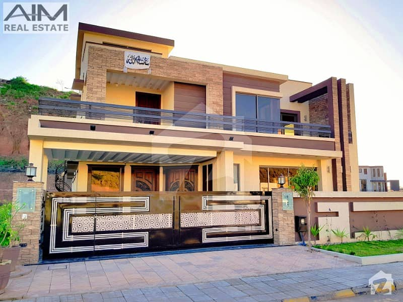 Luxurious 6 Bed 1 Kanal Beautiful House For Sale