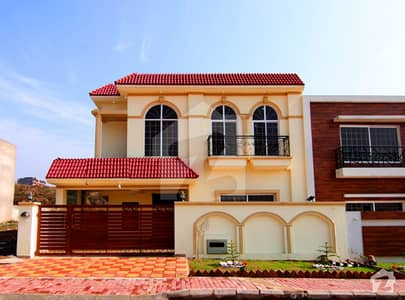 Decent Designing Luxury House For Sale