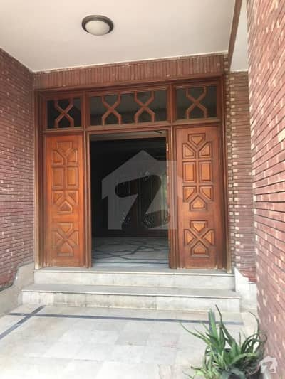 37 Marla Beautiful House For Rent At Beautiful Location In Shah Jamal Lahore