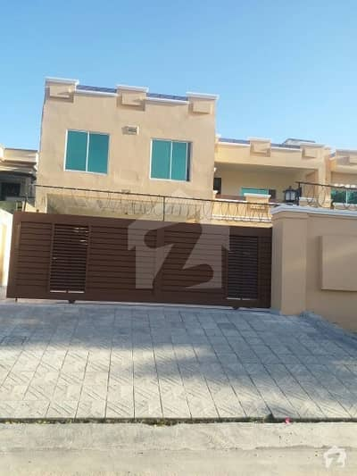 2 Kanal Beautiful 4 Bed Ground Floor Available For Rent