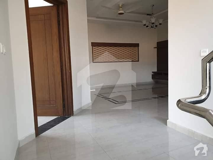 Bahria Phase 3  Full House Available For Rent