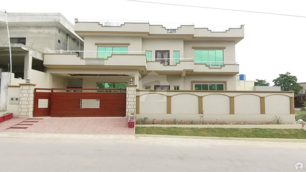 Brand New 6 Bed - One Kanal House For Sale