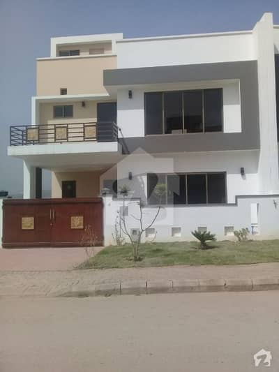 Bahria Enclave Sector B1 4 Bed  5 Marla Independent Villa Available For Rent Prime Location Excellent Construction