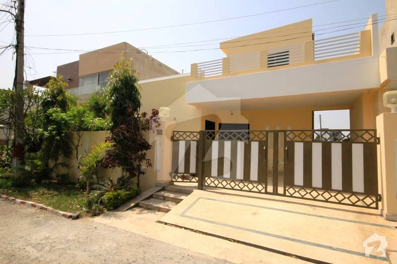 10 Marla Single Storey Lavish Style Bungalow For Sale At F Block Prime Location