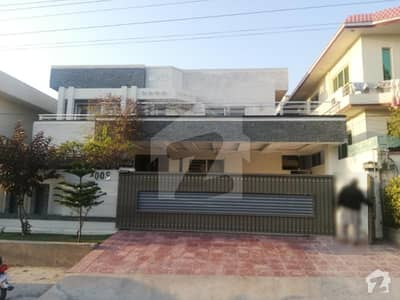 1 Kanal Triple Storey House For Sale In National Police Fondation