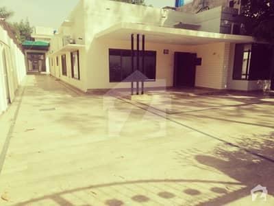 4 Kanal Triple Storey Building For Sale In Gulberg 3