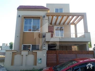Bahria Nasheman 8 marla house for sale