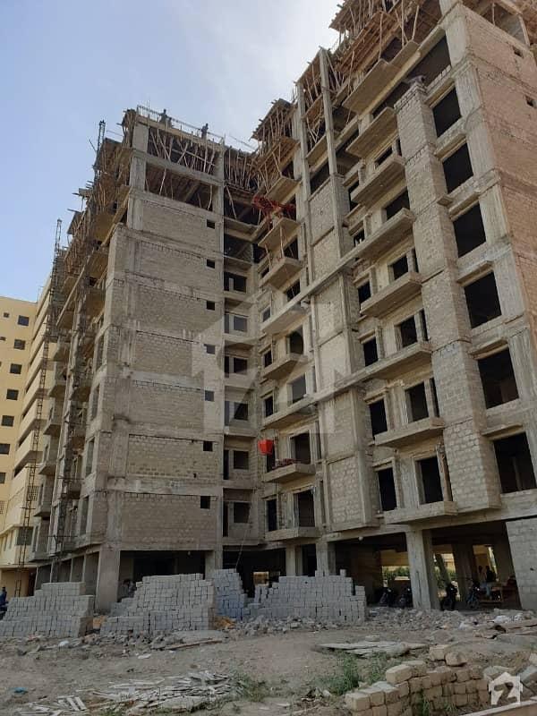 کلفٹن ۔ بلاک 2 کلفٹن کراچی میں 3 کمروں کا 8 مرلہ فلیٹ 2.55 کروڑ میں برائے فروخت۔
