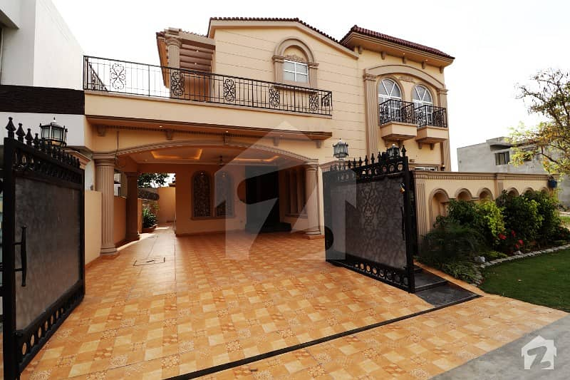 Spanish Owner Build 10 Marla Fabulous Bungalow For Sale In DHA