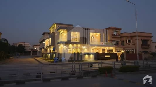 Gorgeous Brand New 6 Bedroom 1 Kanal Corner House
