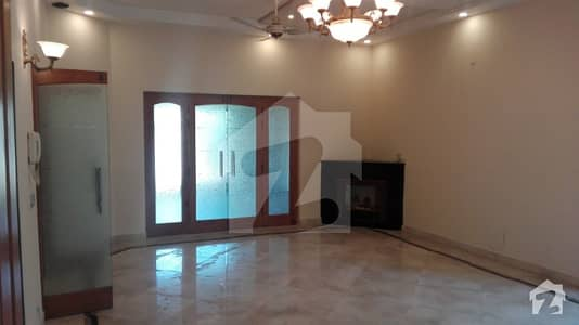 EE Block 10 Marla House For Rent In DHA Lahore
