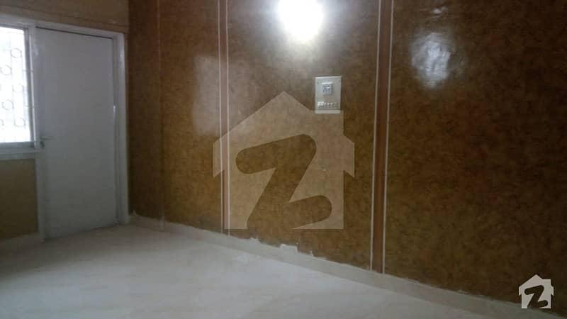 کلفٹن ۔ بلاک 7 کلفٹن کراچی میں 2 کمروں کا 4 مرلہ فلیٹ 1.45 کروڑ میں برائے فروخت۔
