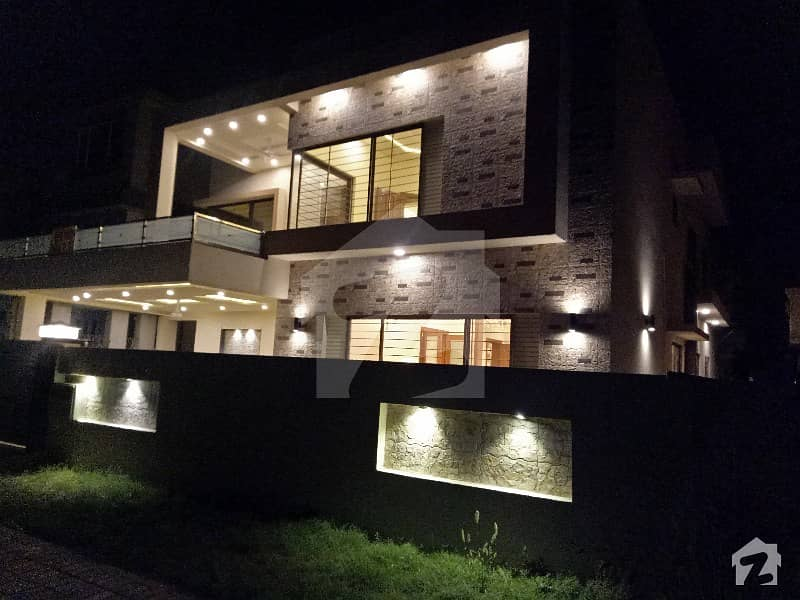 A Brand New 1 Kanal Luxury House For Sale