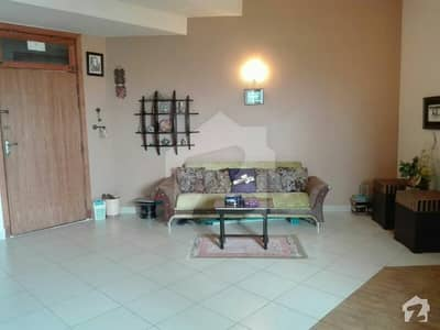 Ideally located 473 sq ft furnished studio apartment 2nd floor
