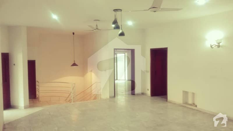 Kanal Luxury Villa For Rent With Car Porch